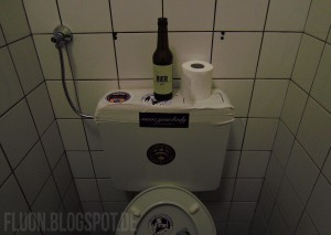 techno_toilet_clubbing_berlin_berghain_rave_photos_sisyphos_about_blank_getting_in